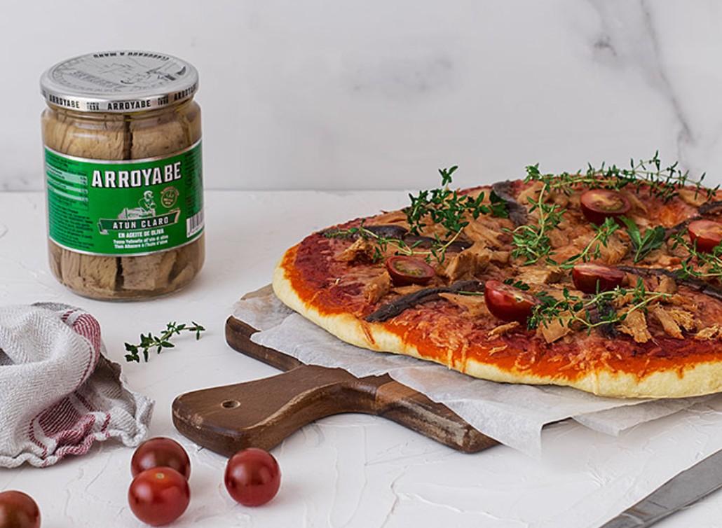 pizza anchovies tuna