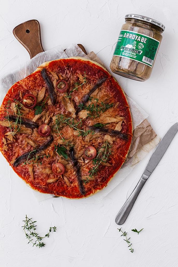 homemade pizza with tuna